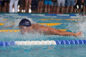 NIksja Stojkovski svømmer litt over pers på sine løp og er klar for å revansjere seg under Amsterdam Cup neste helg.