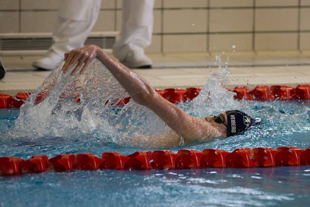 Henrik Veiberg levere et kjempeløp på 200 rygg og dropper til 2.20,69